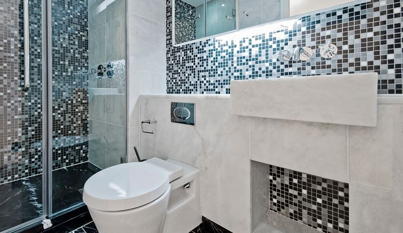 Modern mosaic tiles bathroom